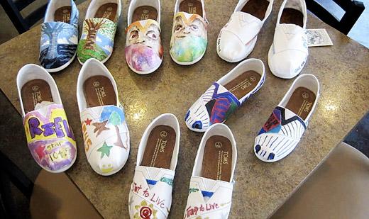 0909_custom_art_for_charity_3.jpg